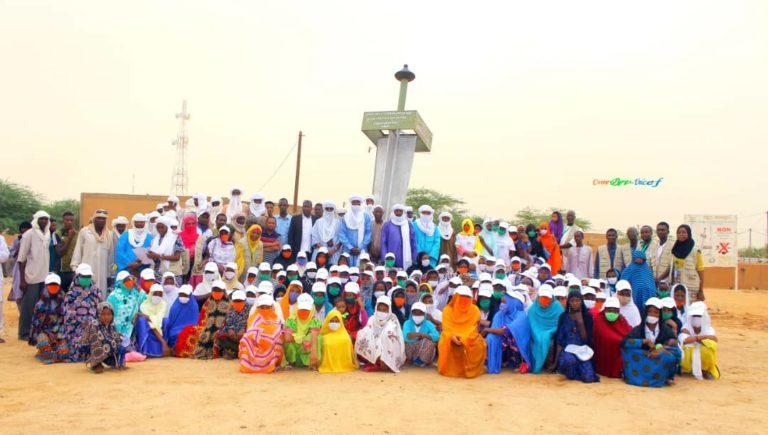 """un leaders engagé au côté de la jeunesse,de l'État et des partenaires pour un changement positif au niger. ComDev """"a vous la voix pour des voies """""""